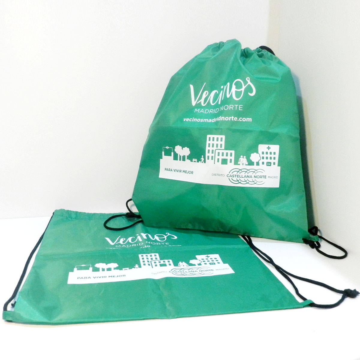 Merchandising mochila verde Madrid Nuevo Norte