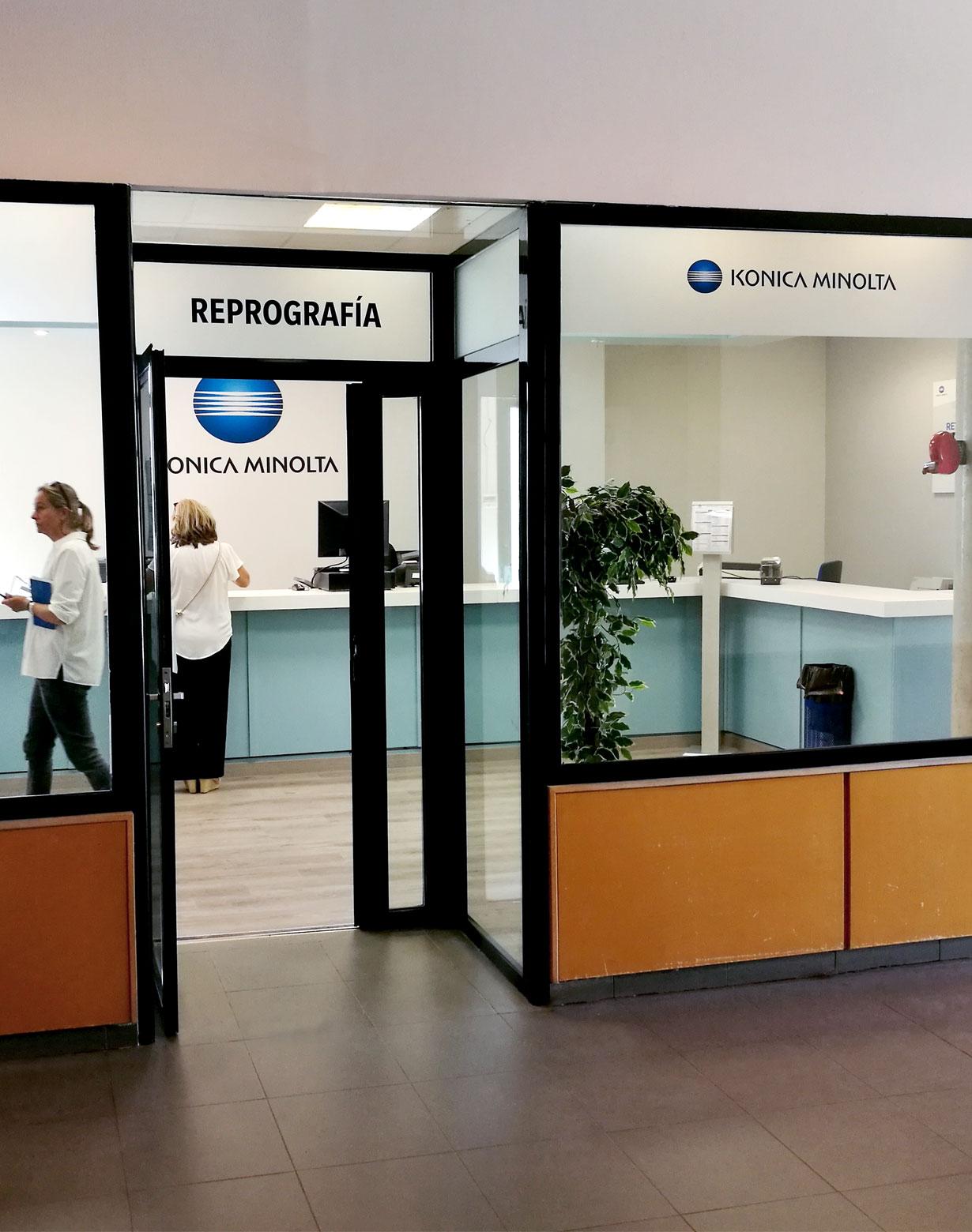 Diseño tiendas reprografía URJI Konica Minolta 4