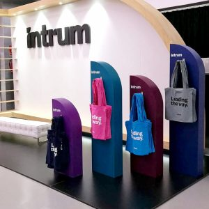 Diseño stand Intrum