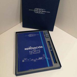 Merchandising set de escritura con USB Distrito Castellana Norte