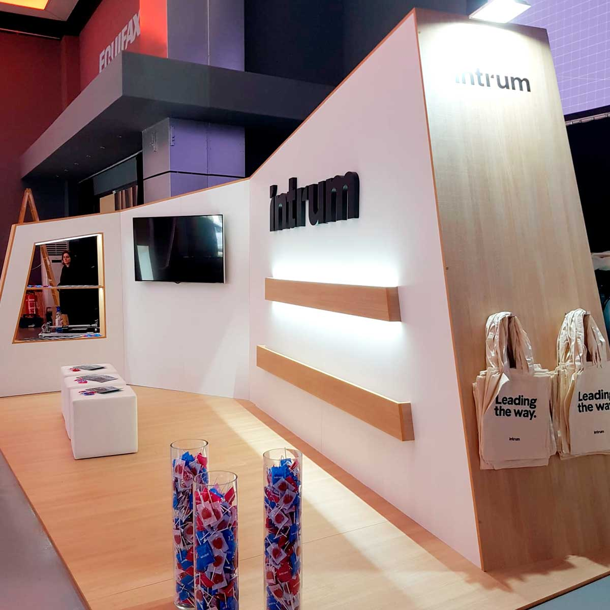 Diseño y montaje stand Intrum 2019 (Teatro Goya)